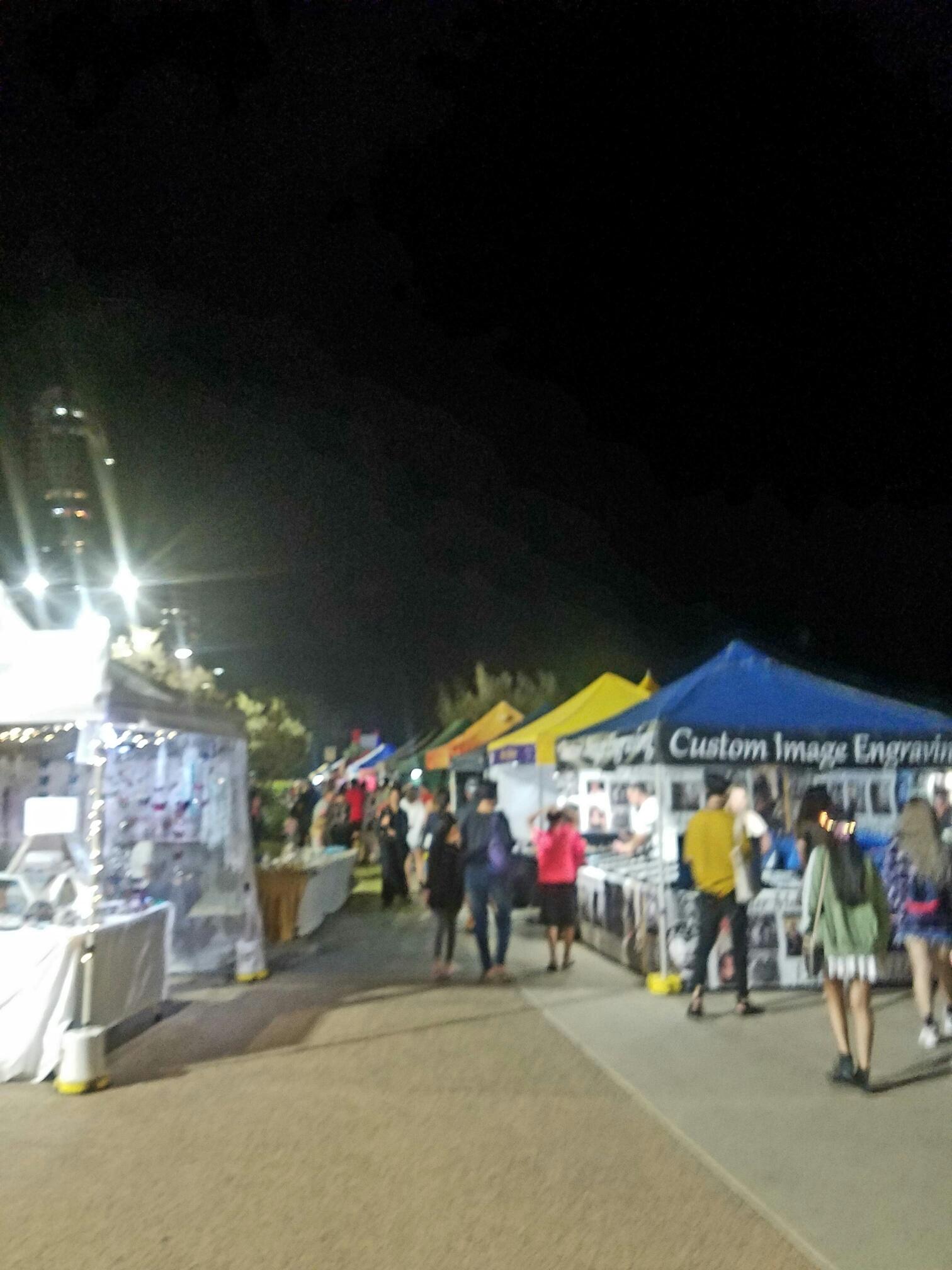 サーファーズパラダイスビーチフロントマーケット6